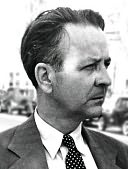 Raymond Chandler Profile Picture