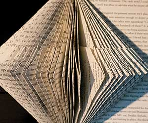 How to Turn Books Into Beautiful Ornaments